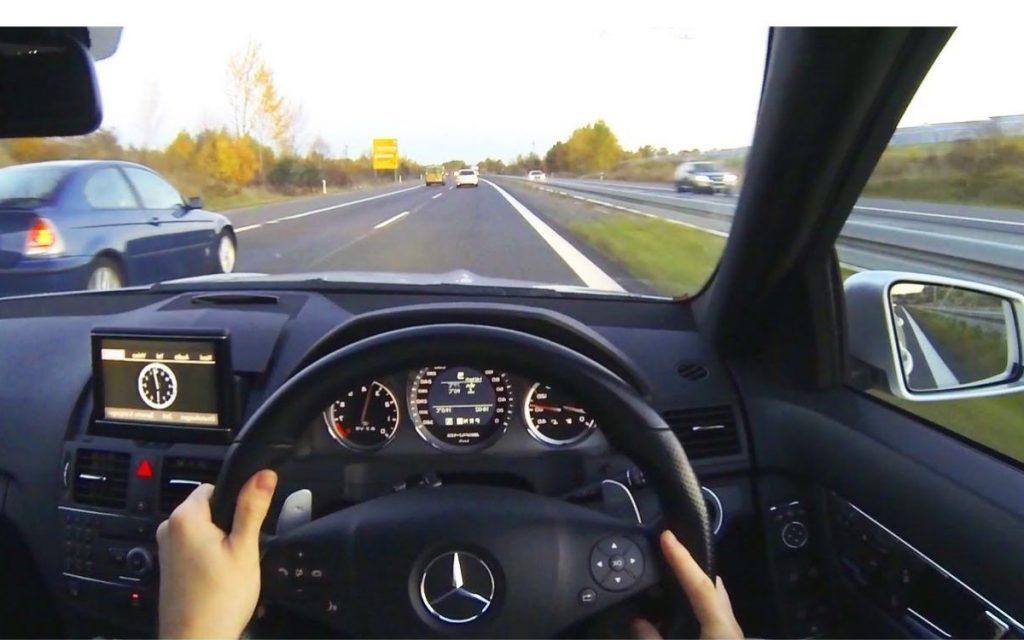tips berkendara mobil jarak jauh