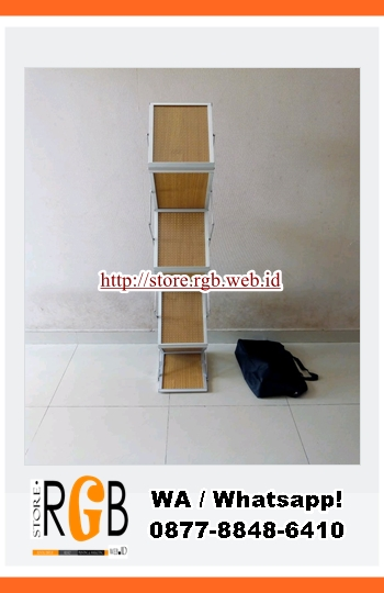 rak brosur kayu